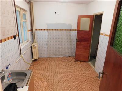 Apartament 2 camere bloc 1980 - Parc Tineretului - Metrou