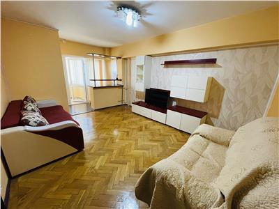 Inchiriere 3 camere, decomandat, doua bai, zona Ultracentrala,