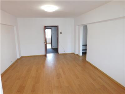 Apartament 4 camere Piata Alba Iulia etaj 5 - Bl. Unirii