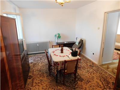 Apartament 2 camere decomandat Metrou 1 Decembrie - Titan