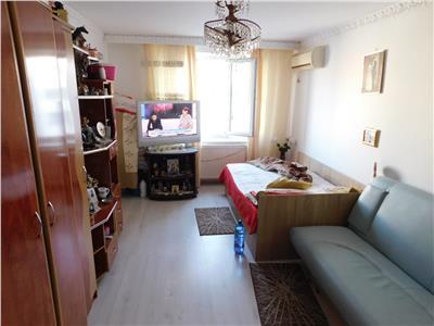 Apartament 3 camere decomandat - centrala proprie - bloc 1984 - Titan