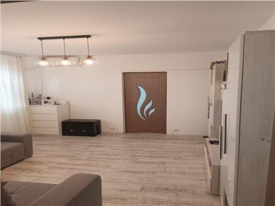 Vanzare apartament 3 camere renovat Titan zona Restaurant Alba