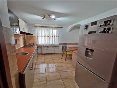 Apartament 3 camere decomandat Raul Doamnei
