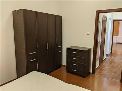 Apartament cu 2 camere, Victoriei, str. Sfintii Voievozi