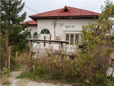 Casa batraneasca de vanzare la 12 km de Targoviste