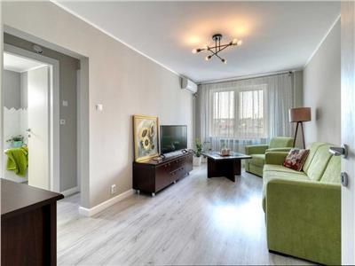 Apartament cu 3 camere, Piata Alba Iulia