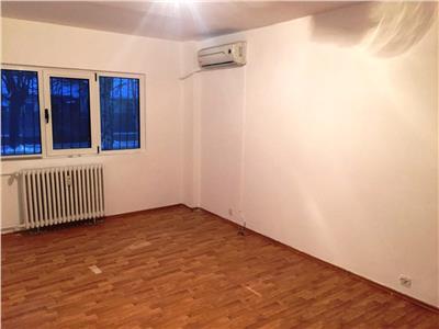 Inchiriere spatiu birouri, 4 camere, Ploiesti, zona P-ta Mihai Viteazu