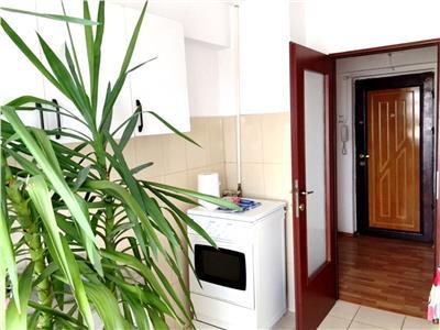 Inchiriere apartament partial mobilat, 2 camere, Ploiesti, Central