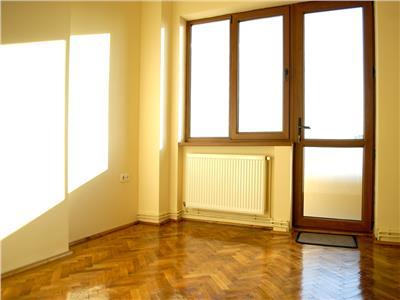 Inchiriere apartament cu 5 camere victoriei