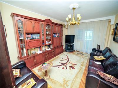 Vanzare apartament 4 camere decomandate unirii-regina maria