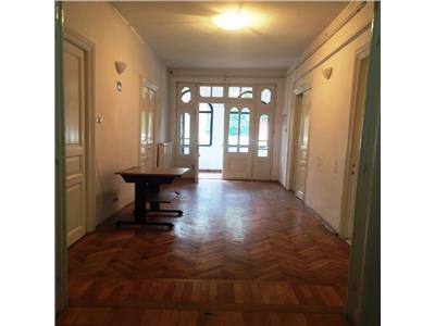 Casa superba, 4 camere, spatiu birouri, bd. castanilor, ploiesti
