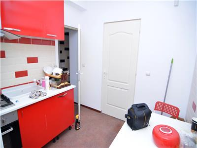 Vanzare-Inchiriere Apartament 4 Camere  Metrou Universitate