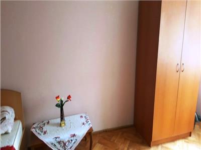 Vanzare apartament 3 camere semidecomandat in ploiesti, zona cina