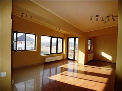 Vanzare apartament 3 camere, in vila, situat intr-o zona de vile