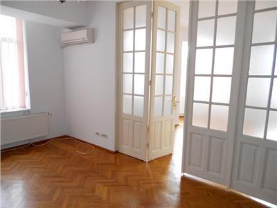 Inchiriere etaj vila ideal birouri - cabinete PALATUL COTROCENI