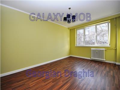 Vanzare apartament 3 camere decomandat et 1/4 Drumul Taberei