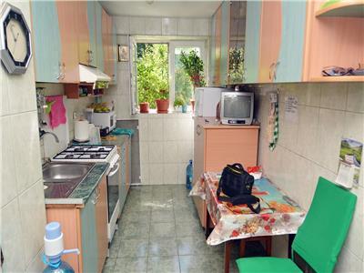Vanzare apartament 2 camere bd basarabia baia de arama