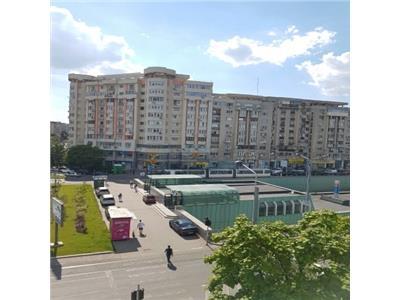 Vanzare apartament 3 camere intersectie Decebal Piata Muncii