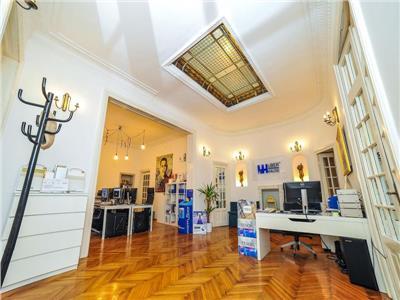 Vanzare apartament  de o frumusete aparte in vila zona romana