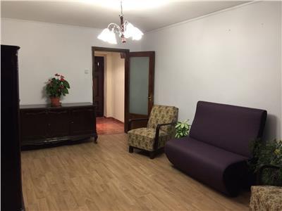 Apartament trei camere Drumul Taberei / Favorit, 4/10, 329 Euro