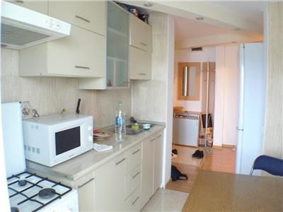 Inchiriere apartament 3 camere, ploiesti, zona malu rosu