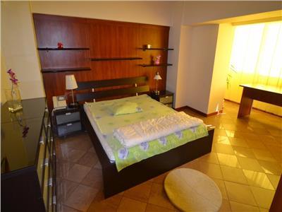 Inchiriere Apartament lux 2 camere 72 mp Zona UNIRII