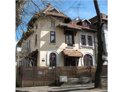 Inchiriere Apartament 3 camere in Vila - Dorobanti