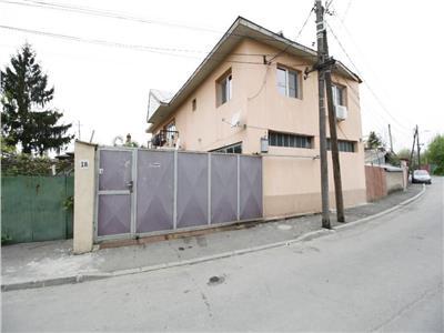 Vila 5 camere 204 mp/ an 2003/ teren 385 mp/ 8 min. metrou Grigorescu