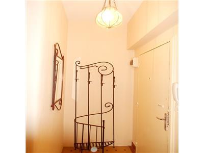 Inchiriere apartament 2 camere etaj 1 in vila COTROCENI / ELEFTERIEI