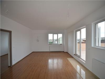 Inchiriere apartament de tip penthouse, 2 camere, Ploiesti, zona 9 Mai