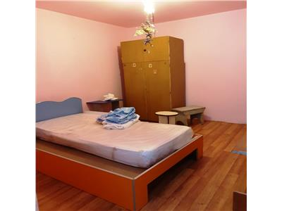 Vanzare apartament 3 camere Drumul Taberei/ Materna