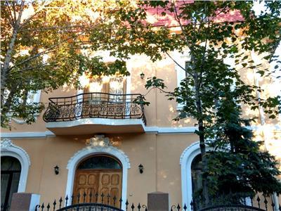 Vila noua in Cotroceni, garaj si curte privata