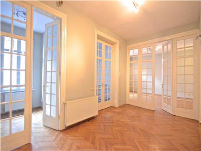 Apartament 5 camere,etajul unei Vile,pt.birouri,salon,Mosilor-Eminescu