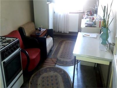 Vanzare apartament 2 camere central targoviste