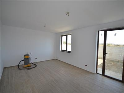 Vanzare apartament 4 camere, in vila insiruita, ploiesti, zona albert
