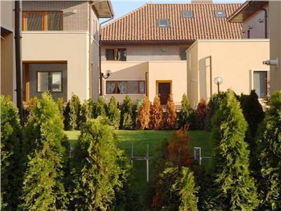 Vila 4 camere si curte 200mp, 2 parcari, Jollie Ville Iancu Nicolae