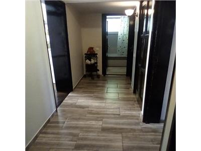 Vanzare apartament 2 camere etaj 2/3,baba novac