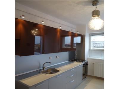 Apartament cu 3 camere, tip duplex Primaverii