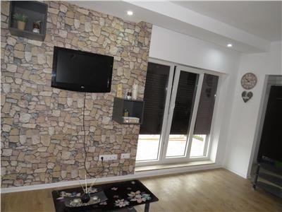 Inchiriere apartament 2 camere Cosmopolis, prima inchiriere
