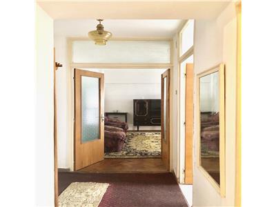 Apartament 2 camere, decomandat, boxa 6 mp, zona centrala, ploiesti