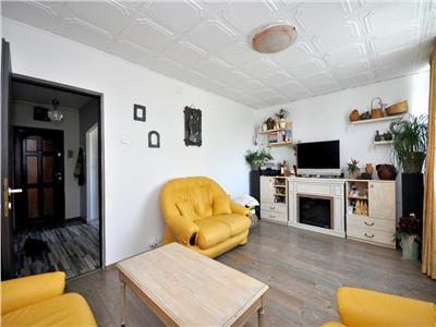 Apartament 3 camere decomandat renovat Drumul Taberei