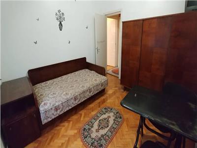 Apartament cu 3 camere in zona cornisa