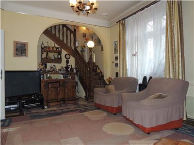 Ferdinand, Vila d+p+1+pod, 5 camere, singur curte, teren 270mp