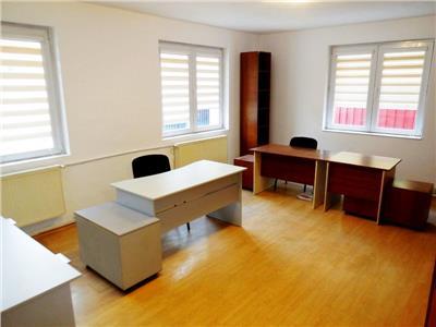 Vila foarte bine organizata ideala birouri drumul sarii / razoare