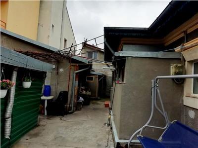 Casa veche renovata cu teren propriu 170 mp BRANCOVEANU / ORASEL