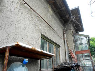 Casa din caramida parter nelocuibila PARCUL CAROL/MAUSOLEU