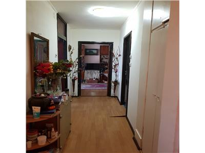 Ocazie:vanzare apartament 2 camere petre ispirescu