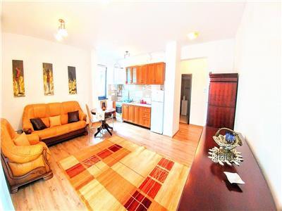 Vand apartament cu 2 camere mobilat modern in zona centrala