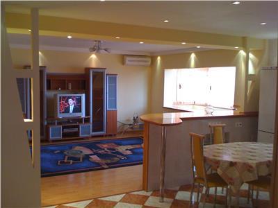 Vanzare apartament 3 camere poiesti zona ultracentral