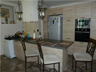Inchiriere casa lux 5 camere, Ploiesti, zona ultracentrala